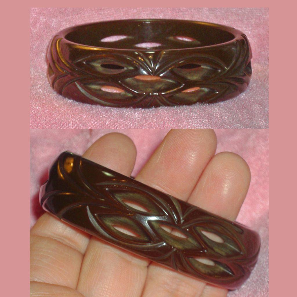 Vintage Bakelite Carved Pierced Brown Bangle Bracelet