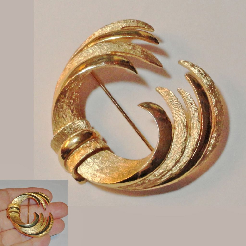 Gold Plated Etched and Polished Layered Brooch Center Knot signed PIM