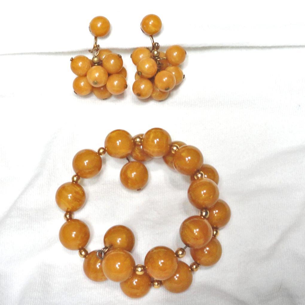Bakelite Swirled Butterscotch Bead Wrap Bracelet Earrings Set