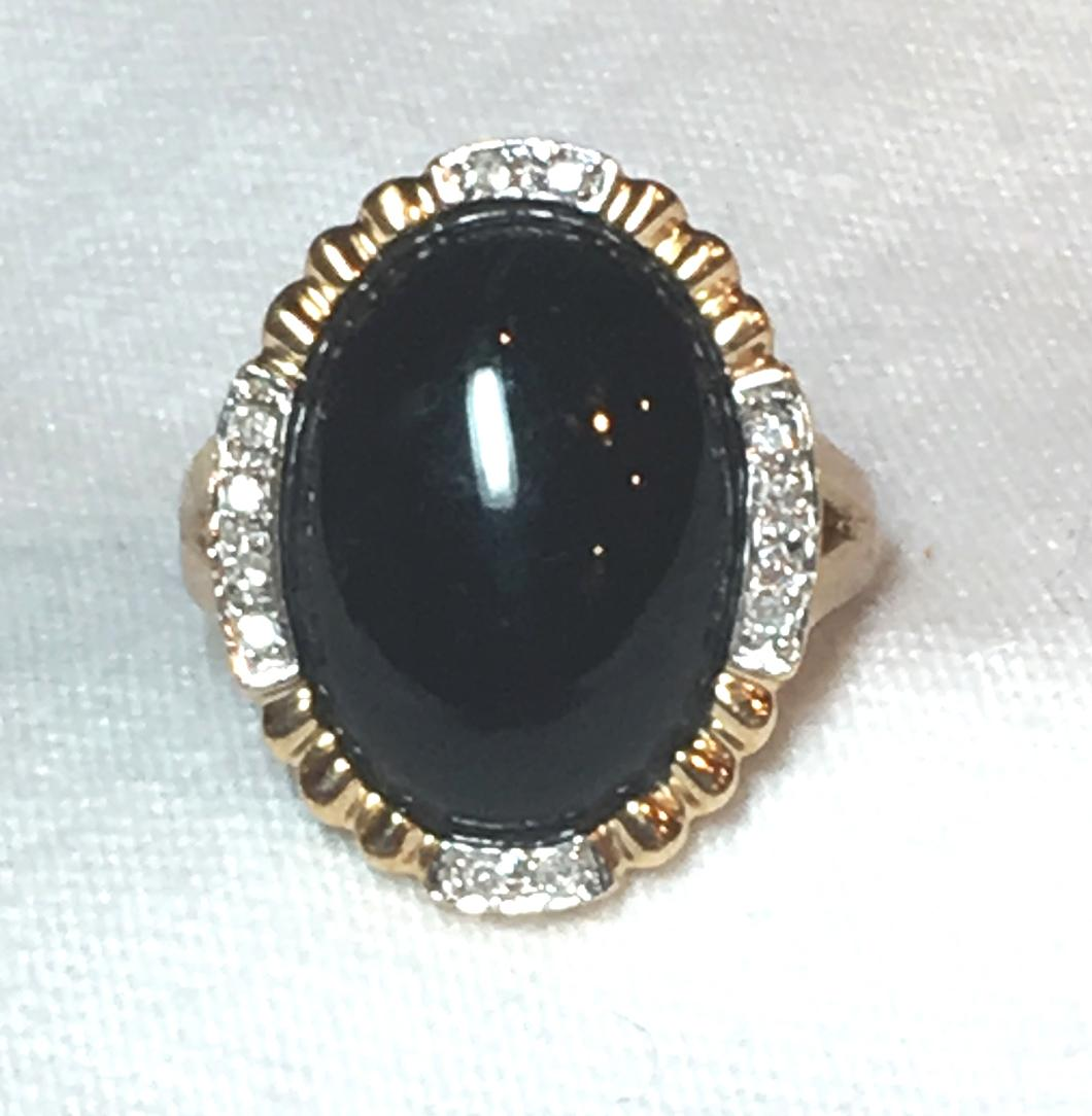 14 Karat Gold Diamond & Onyx Ring Signed   Size 6 ¾