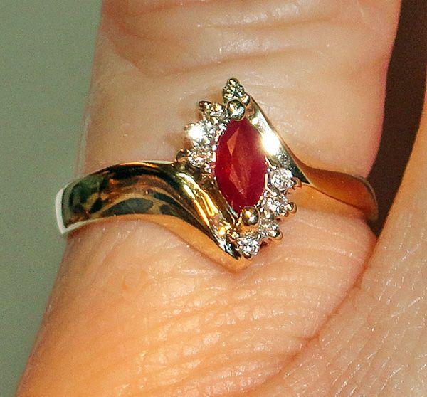 10 Karat Gold Natural Ruby Diamond Ring  Size 6.5