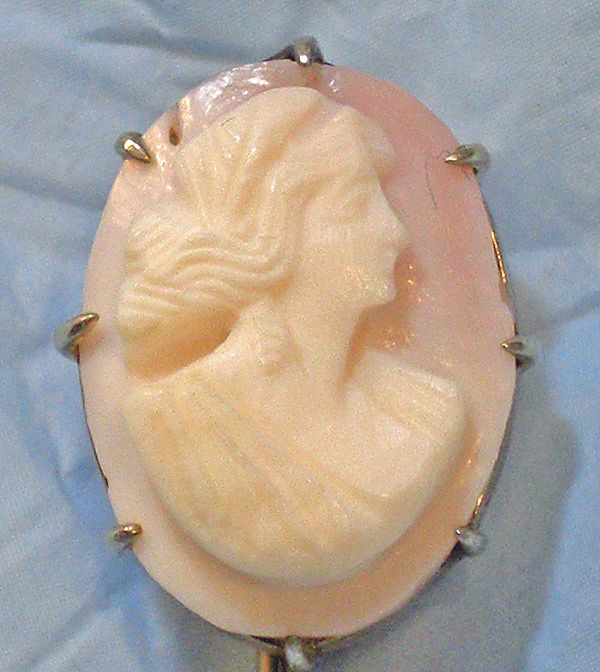 Vintage 10K Gold Carved Angel Skin Coral Cameo Stick Pin