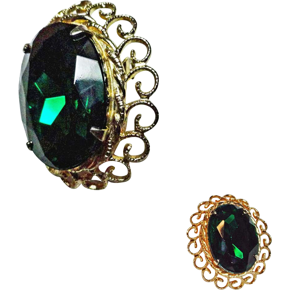 Coro Large Emerald Green Rhinestone Brooch