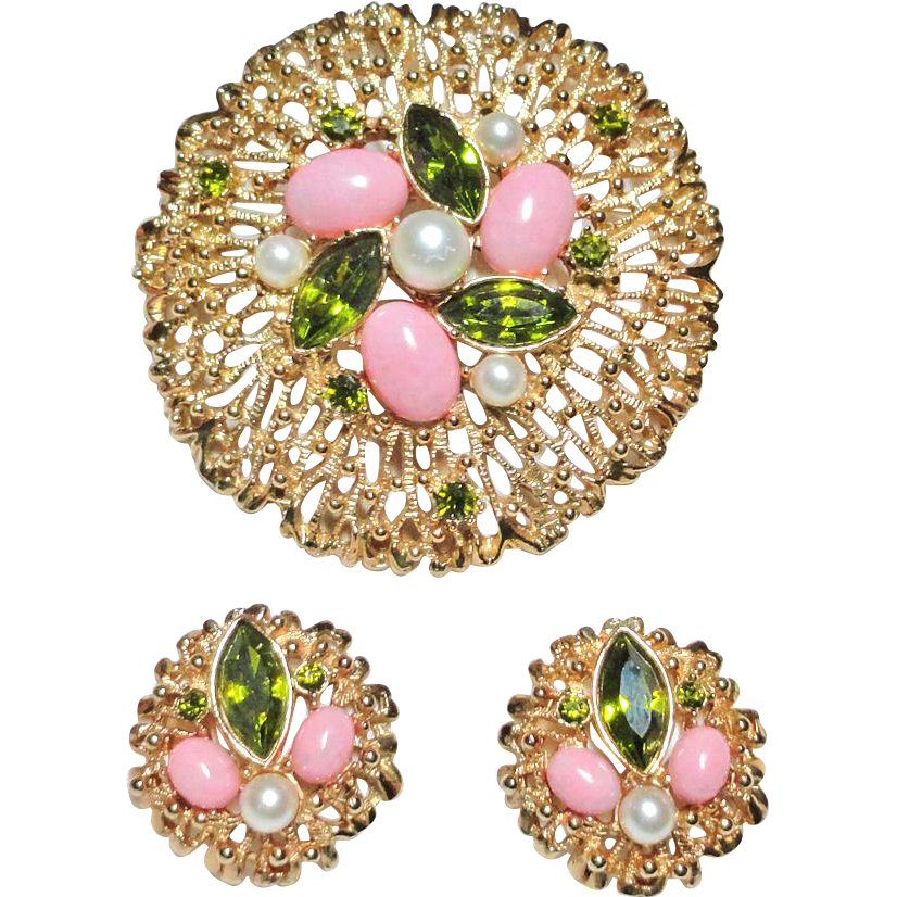 Sarah Coventry Fashion Splendor Rhinestone Faux Pearl Brooch and Earrings Set