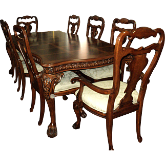 Fabulous 11 Piece Old World Style Cherry Dining Set