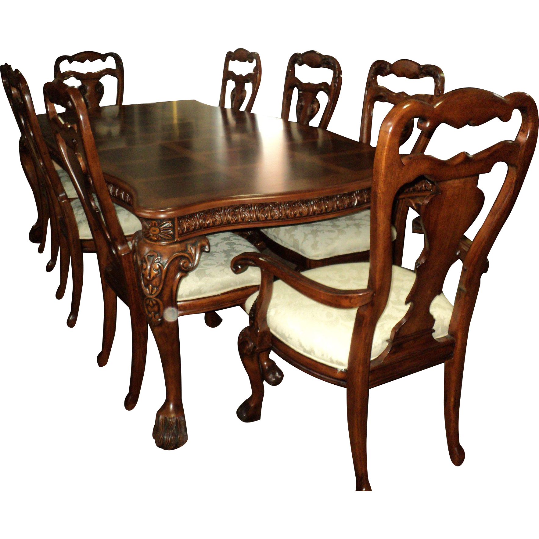 Cherry Chippendale Style Table w. 8 Chairs & 2 Leaves
