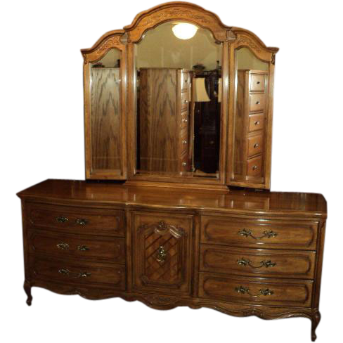 five piece vintage french provincial bedroom set by thomasville sold ruby lane. Black Bedroom Furniture Sets. Home Design Ideas