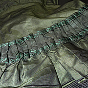 Splendid mid 19th C. French ladies black and green silk taffeta bodice jacket wasp waist ruched ribbon  pagoda sleeves