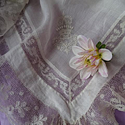 Exquisite 19th C. French aristocratic bridal wedding handkerchief embellished crown Count valencienne lace