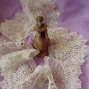 Exquisite flounce Antique Brussels point de gaze lace floral foliage motifs Chateau provenance  72 inches