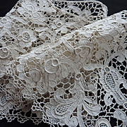 Superb handmade antique Venetian lace panel : flounce : Chateau provenance  72 inches long