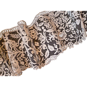 Delicious French hand embellished ecru shaped tulle lace flounce : floral foliage motifs
