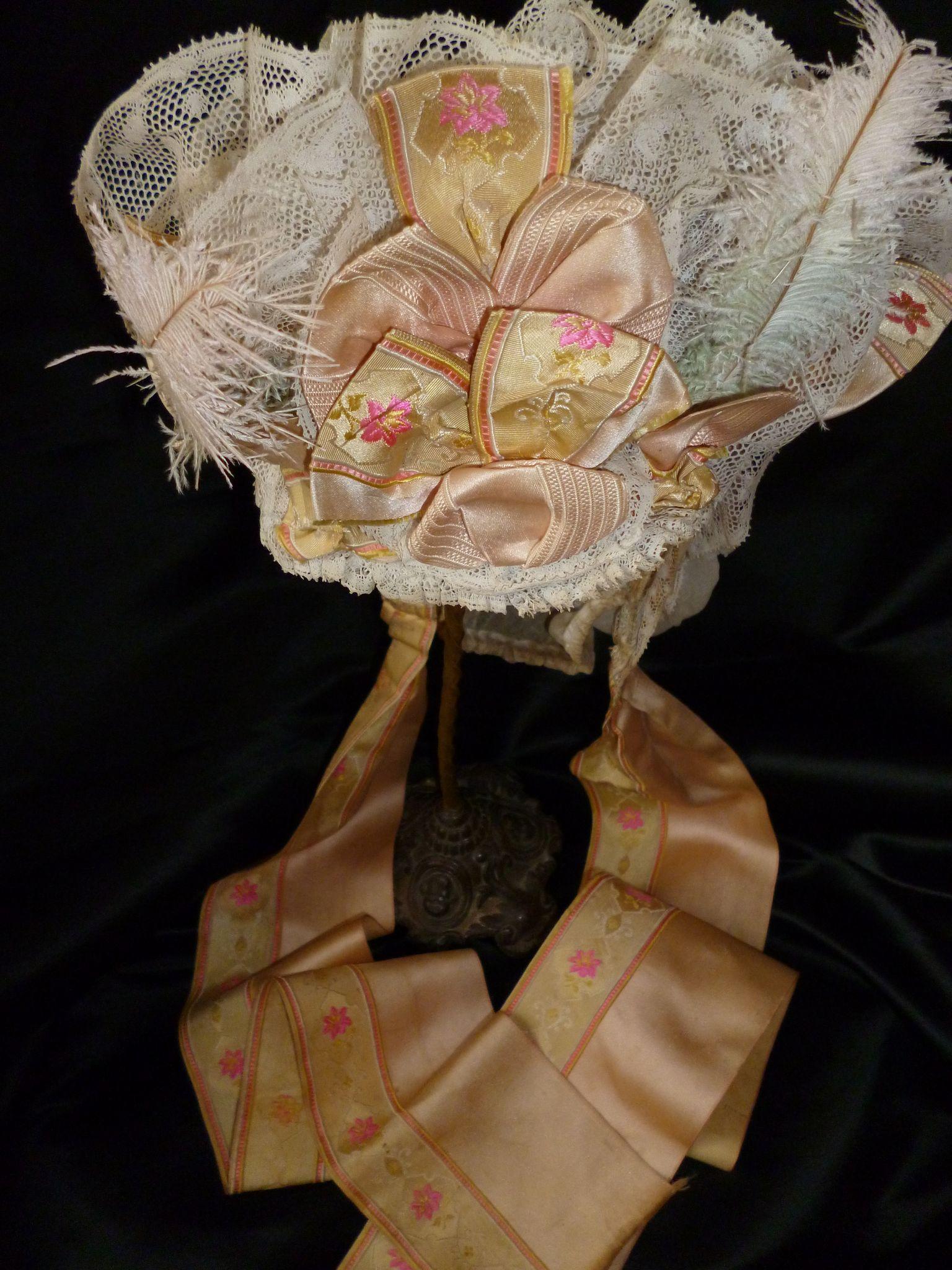 Brides bonnet