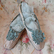 Faded grandeur 19th C. French ladies cream silk shoes : green ribbon rosettes : period display