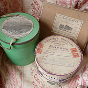 Batch of 3 decorative old French empty shop boxes : au Bon Marche : period display