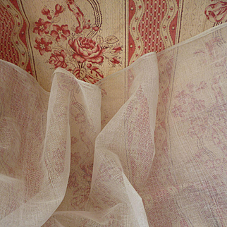 Delicious French old white stiffening tulle : dolls clothes & hat projects