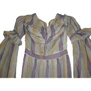 Elegant early 19th C. French young ladies printed muslin dress : puffed sleeves