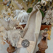 Faded grandeur French bride's ivory satin wedding shoe : bee embellishment