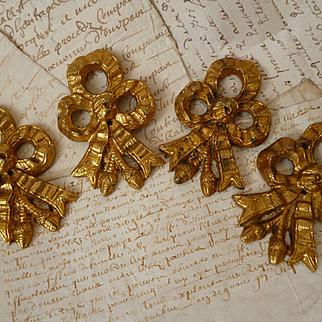 Batch decorative French gilt bronze ribbon bow and tassel embellishments