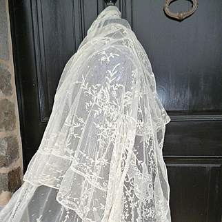 Beautiful 19th C. French hand embroidered tulle wedding shawl : etole : floral motifs