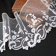 Delicious long  flounce 19th hand embellished tulle lace : floral foliage motifs 139 inches