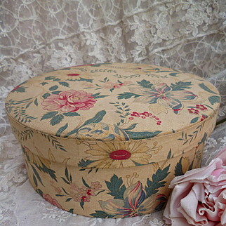 Delicious faded grandeur French vintage fabric covered boudoir box : floral motifs