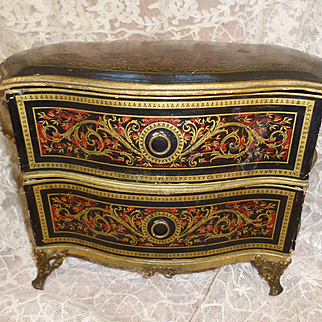 Charming antique French curvy commode : chest of drawers : faux Boulle  :  ideal doll accessory