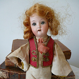 Mignonette doll Heubach Koppelsdorf : original clothing : 6 1/2 inches high