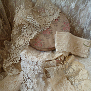 Delicious French fabric covered box brimming with old lace flounces ( 14 ) : projects