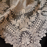 Ethereal 19th C. Brussels point de gaze lace bridal wedding handkerchief : floral foliage motifs : box