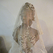Exquisite 19th C. Brussels applied net lace wedding shawl : etole : floral : bouquet motifs