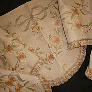 Splendid antique French hand embroidered  valance : pelmet : wild roses : rosebuds : ribbon & bow motifs