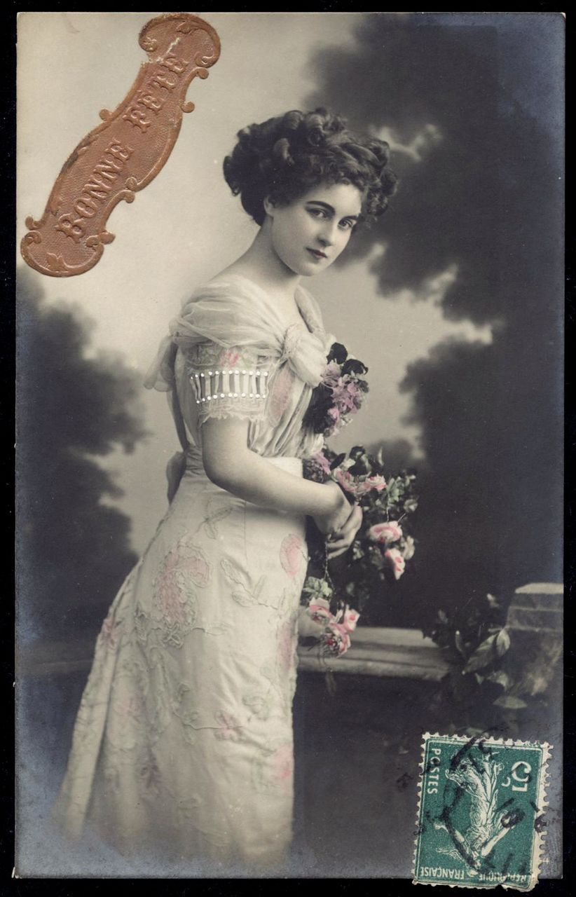 1910 French postcard Edwardian lady with Flowers