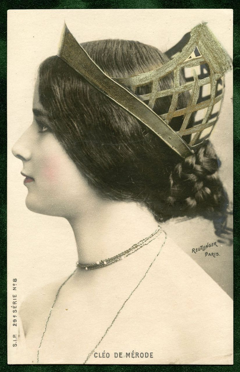 Ballerina Cleo de Merode Profile with Crown Photo by Reutlinger Unused Antique French Postcard