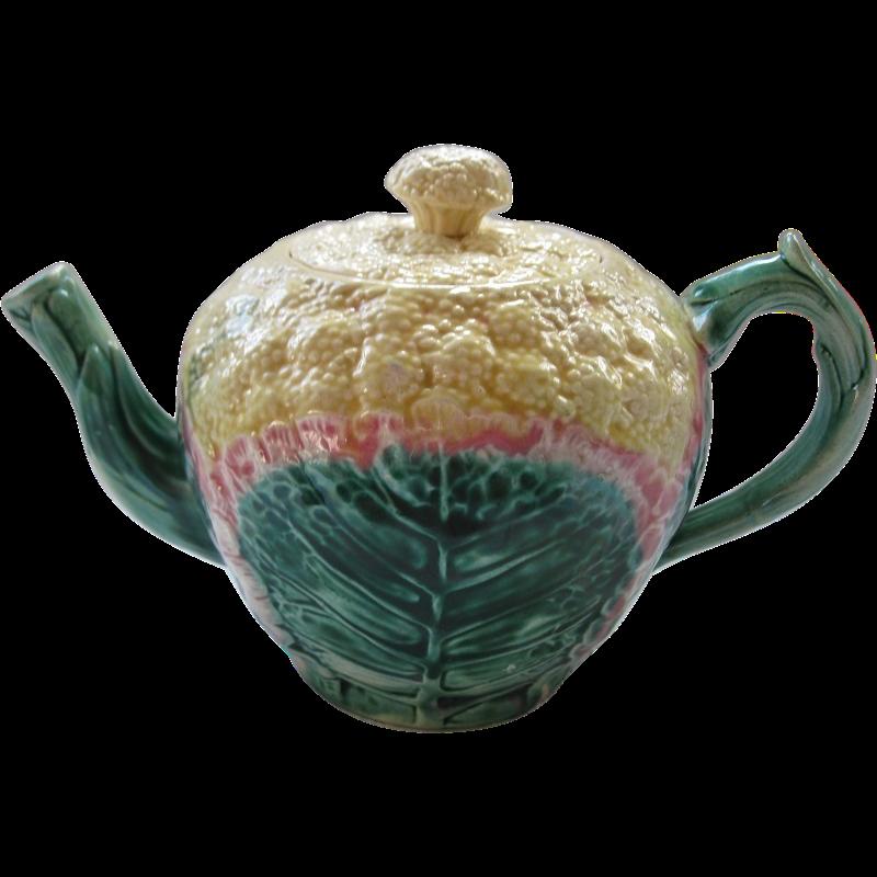 Etruscan Majolica Cauliflower Teapot