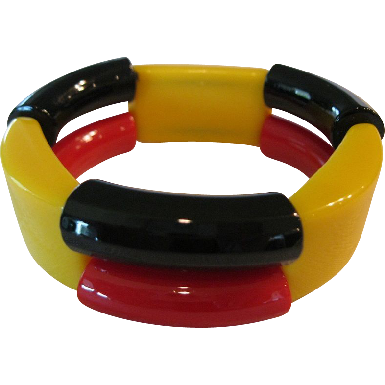 Stunning 1940's Hard Plastic Stretch Bracelet From France