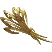Lovely Vintage Monet Stylized Cluster Of Wheat Pin Brooch