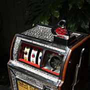 "Pace Operator Bantam Bell 1927  25¢ Slot Machine with ""Jak Pot"""