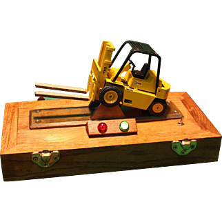 Caterpillar Forklift Fulcrum Training Model