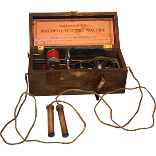 Antique Doctor's Medical Magneto-Electric Shock Machine  1880's