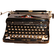 Royal Model O Portable Typewriter Excellent  1930's