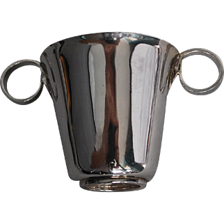 Canadian silversmith Gilles Beaugrand Inc double handles sterling silver cup