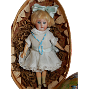 """DELIGHTFUL  7"""" Am 390 Flapper in Vintage Easter Egg"""