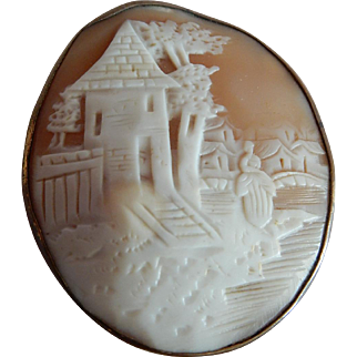 Lovely-Old-Cameo-in-Gold-Plated-Sterling-Silver-Casing-Woman-Near-the-Well House