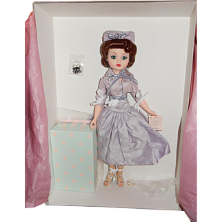 "PRETTY Madame Alexander Limited Edition Cissy Doll ""Evening at the Pops"" from 2001"