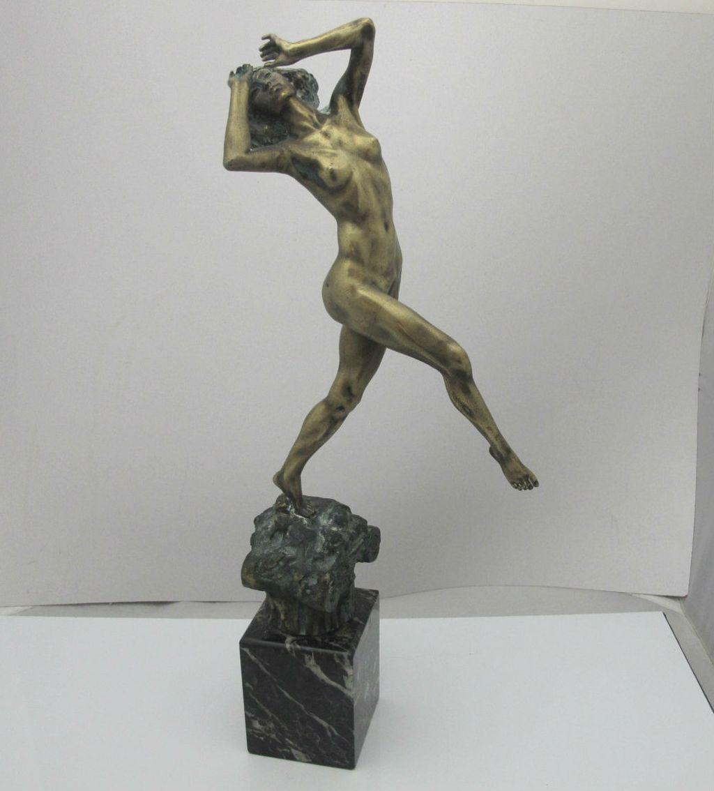 Art Deco Bronze Sculpture of a Nude Dancer, 1925 For Sale