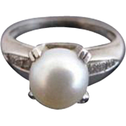 Dainty Vintage Cultured Pearl & Diamonds 14k White Gold Ring