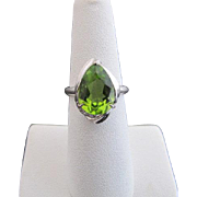 PLATINUM Green Pear Teardrop PERIDOT Diamond Accent Cocktail Statement Ring