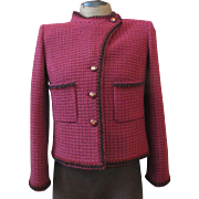 CHANEL Assymetrical Fuchsia WOOL Sweater Knit SILK Logo Lined Jacket NEW 44
