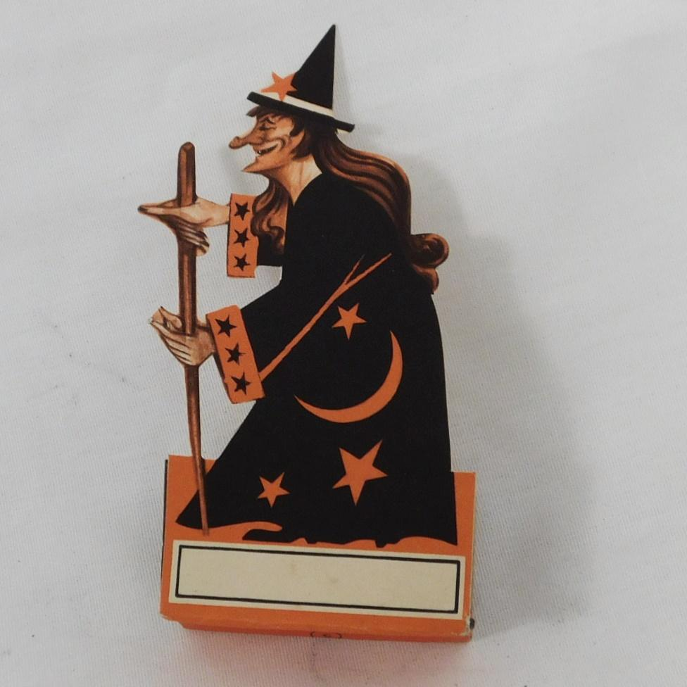 Vintage halloween table decoration scary witch place card for Table 52 cards cairns